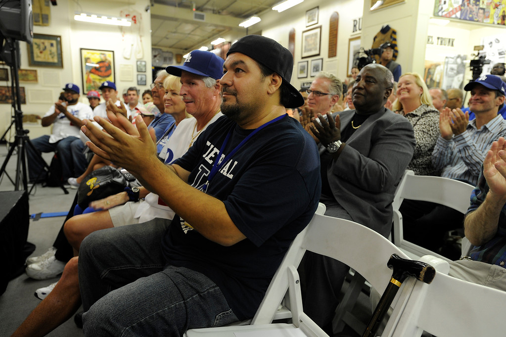 . The audience applauds as Dodgers President Stan Kasten discusses the state of the franchise, where it�s at, and where it�s heading in a program moderated by Daily News opinion writer and former sports columnist Kevin Modesti. The town hall style event was held at the Sports Museum of Los Angeles in Los Angeles, CA. 7/10/2013(John McCoy/LA Daily News)