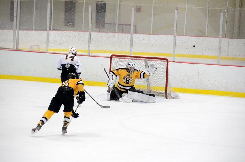 141004 Jr. Bruins vs. Boston Bulldogs-237.JPG