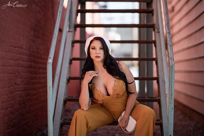 Model | Jerri-Lynn