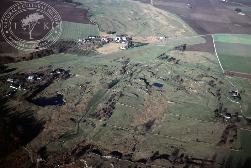 Grassland with divided fields and stone walls (20 November, 1988). | LH.0308