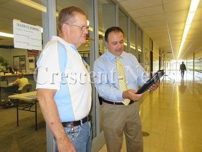 09-22-15 NEWS Moose iPads