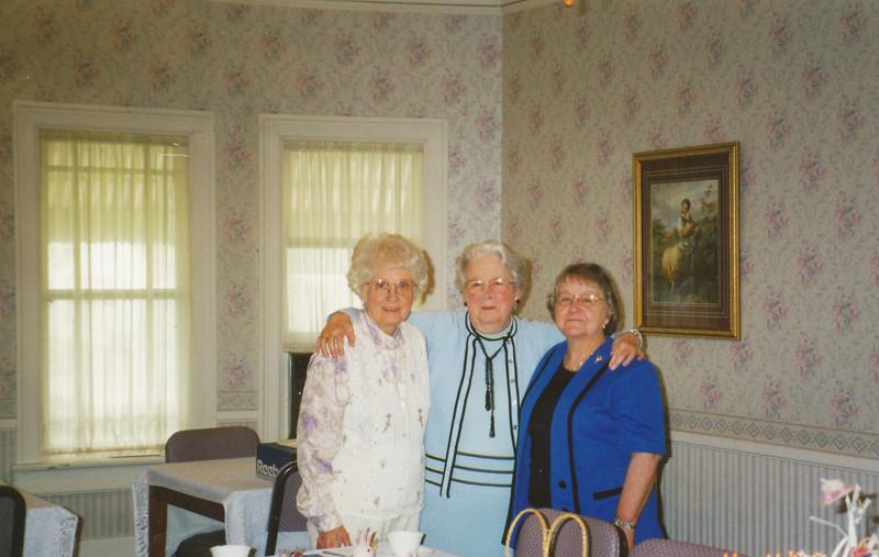 Women's Literary Club April 2000 (Virginnia Balsbaugh, Mildred Townsend, Eileen Sullivan).jpg