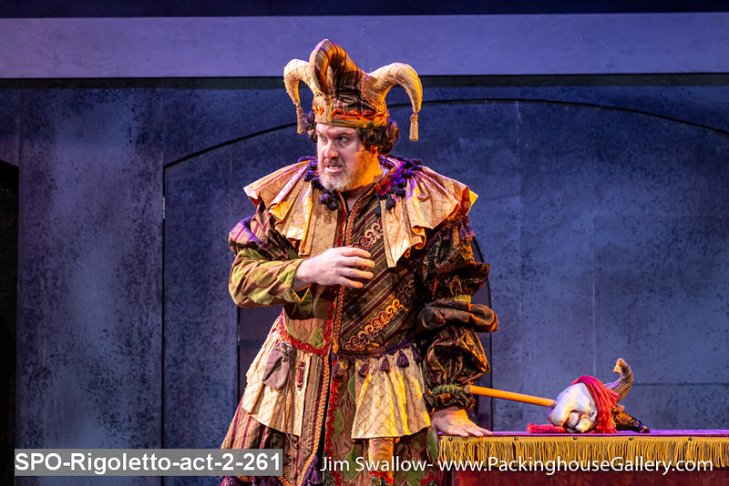 SPO-Rigoletto-act-2-261.jpg