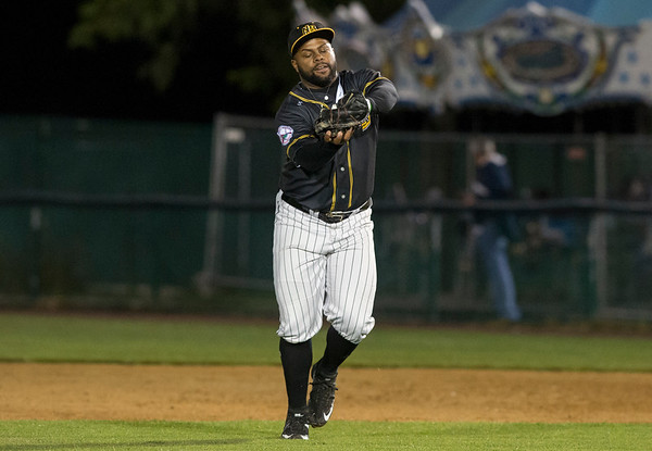 09/06/19 Wesley Bunnell   StaffrrThe New Britain Bees vs the Lancaster Barnstormers on Friday night at New Britain Stadium. Jason Rogers (9) catches a pop up near first base.