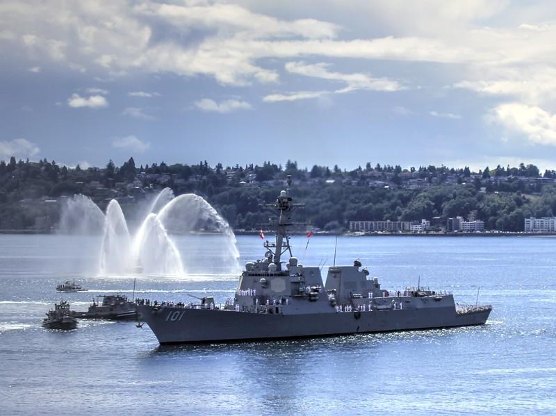 Warship SeaFair August 2016.jpg