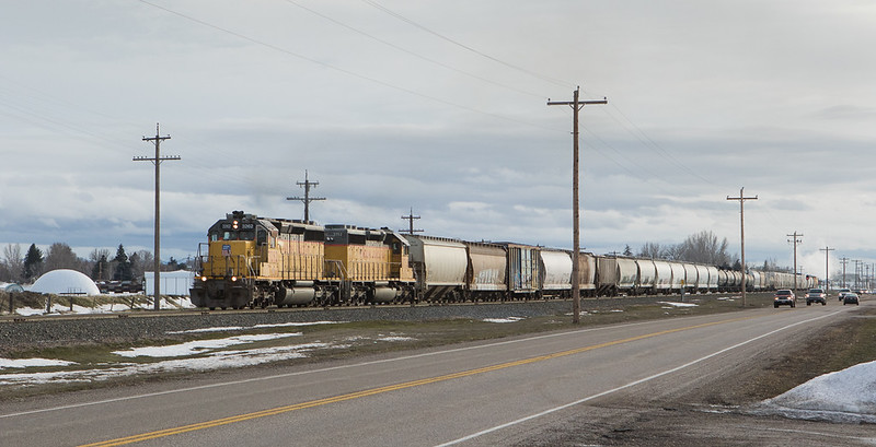 3262/3752 northbound in Mitchell bound for Idaho Falls, ID.