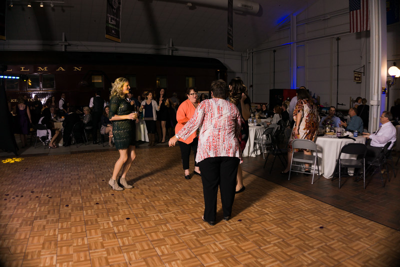 Reception (188 of 357).jpg