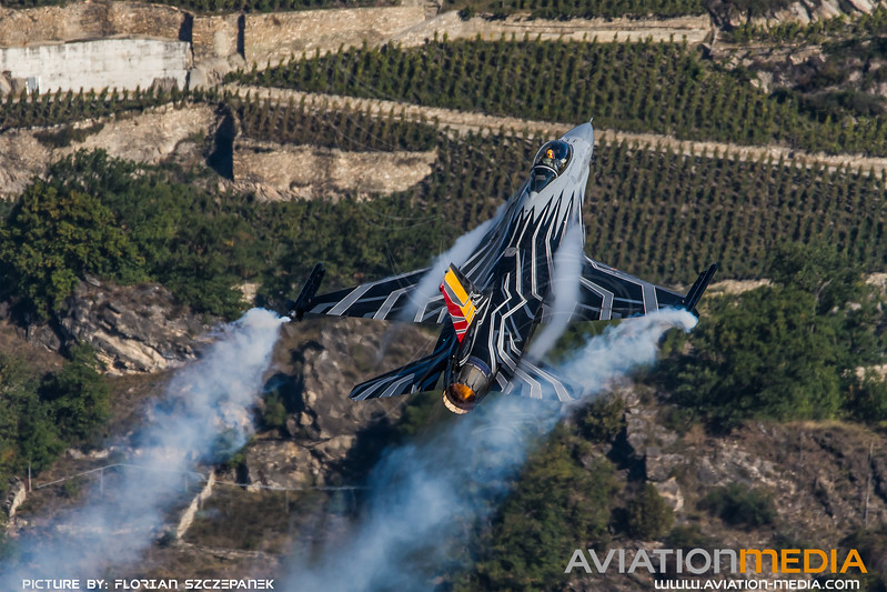 BAF 1 Squadron / Lockheed F-16A-20 MLU Fighting Falcon / FA-123 / Belgian F-16 Display Team Livery
