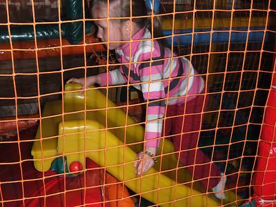 2011-05-14, Olya's 5th birthday at Mu-Mu
