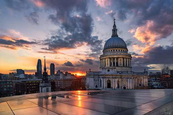 St. Pauls Cathedral at sunset
