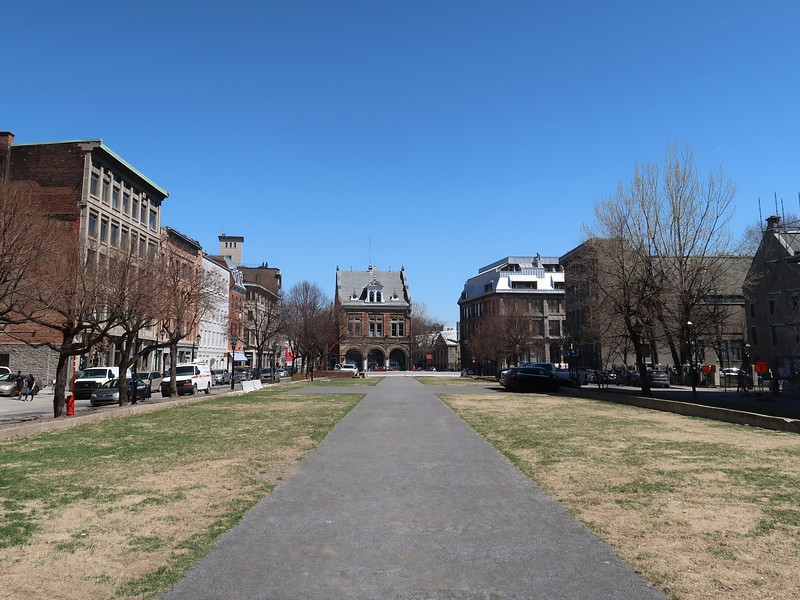 IMG_6937-place-d-youville.jpg