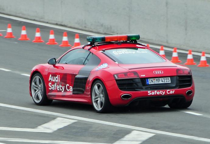 Le Mans Prerace Audi R8 Safety Car.jpg