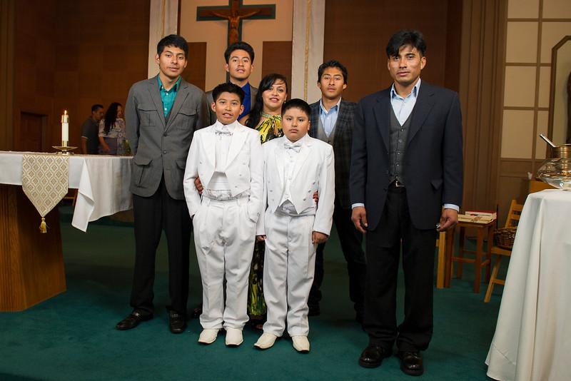 Communion Hispanic-9215-27 4x6.JPG