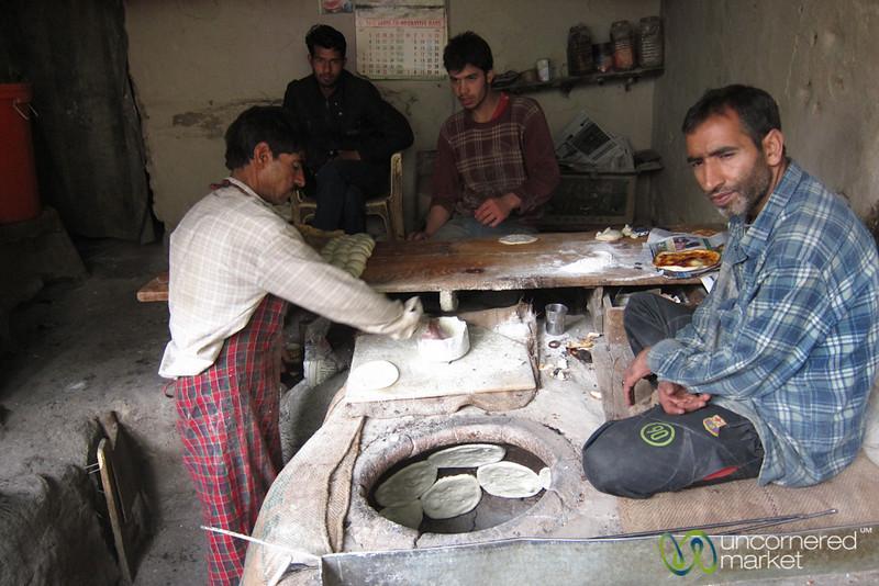 Making Tsot (Kashmir Bread) in Tandoor Oven - Leh, Ladakh