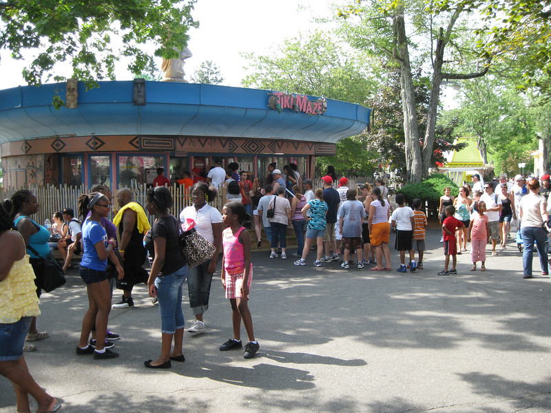 The Tiki Maze had a huge line of people waiting to get in.