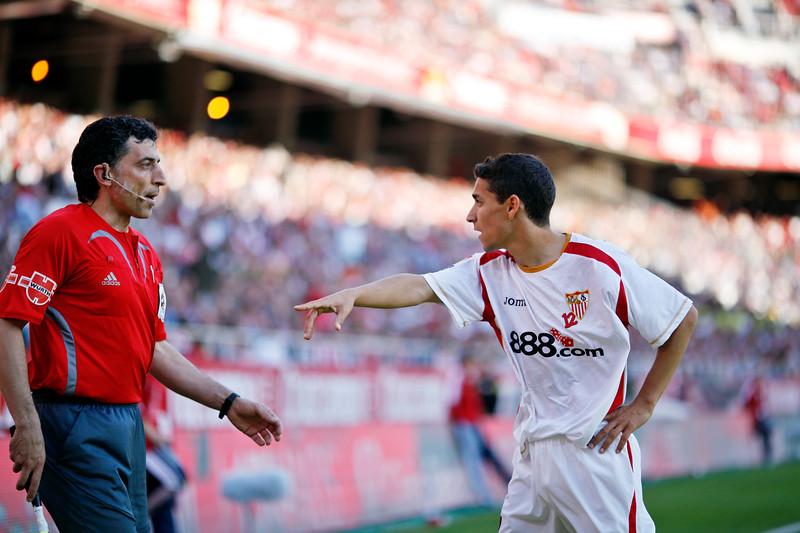 Jesus Navas (Sevilla) arguing with the linesman. Spanish Liga football game between Sevilla FC and Real Madrid CF that took place at Sanchez Pizjuan stadium, Seville, Spain, on 26 April 2009