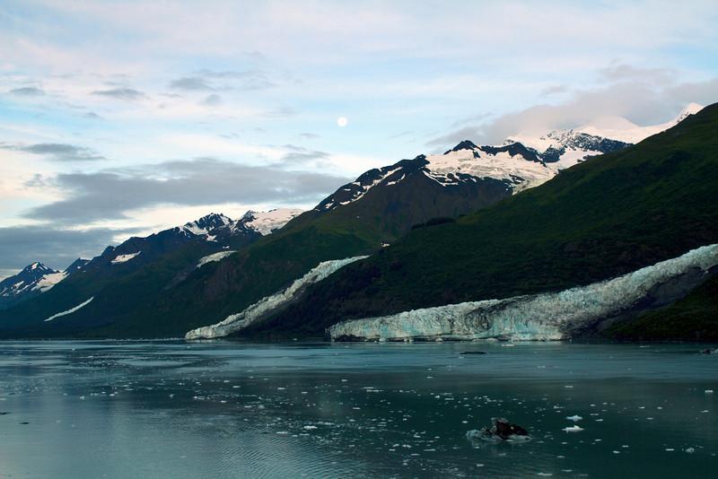 moonovercollegefjord.JPG