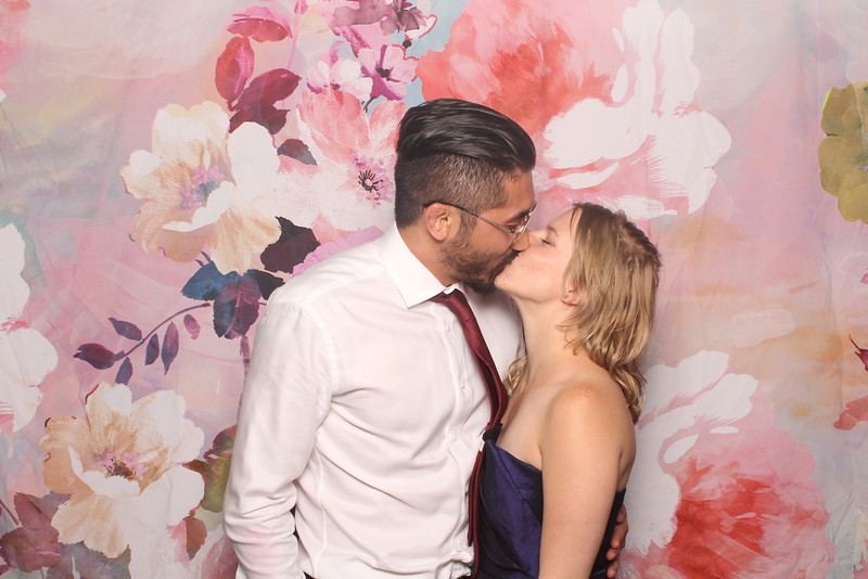 MangoStudios_Photobooth_Catherine and Sean113.jpg