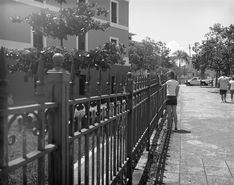 02_amy_fence.jpg