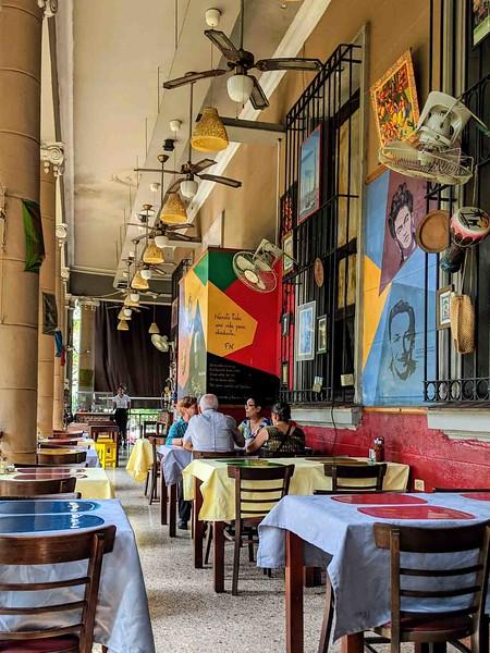 Topoly restaurant Havana.jpg