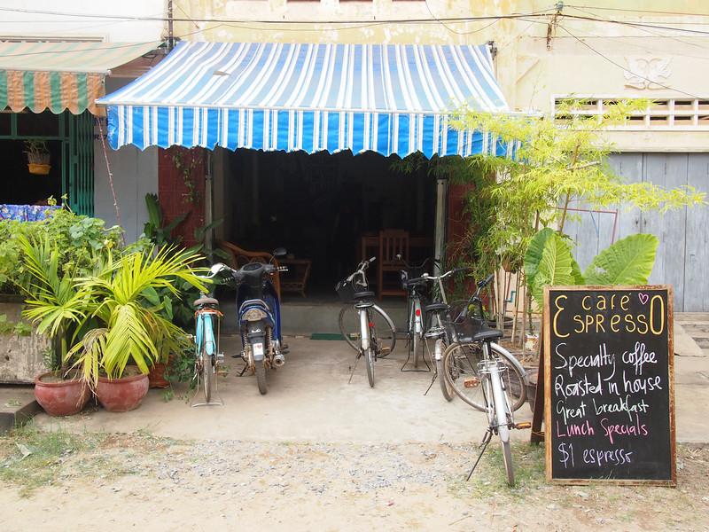 PB153692-cafe-espresso.JPG