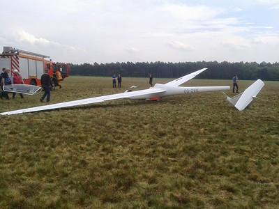 20140421 Crash zweefvlieger Weelde - VZA