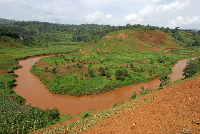 070113 4063 Burundi - on the road to Gitega and Ruvubu Reserve _E _L ~E ~L.JPG
