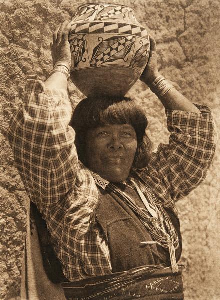 Ka'yati - Sia (The North American Indian, v. XVI. Norwood, MA, The Plimpton Press,  1926)