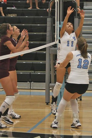 Ponte Vedra Sharks Volleyball vs St Augustine 9/18/08