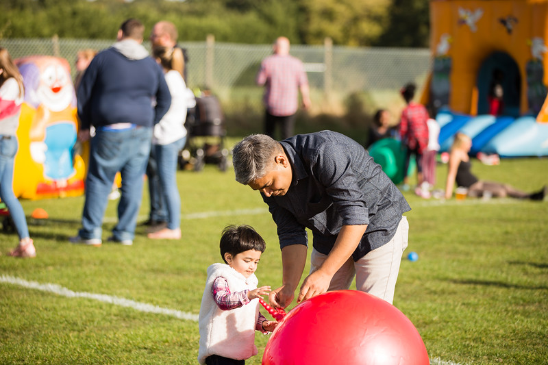 bensavellphotography_lloyds_clinical_homecare_family_fun_day_event_photography (378 of 405).jpg
