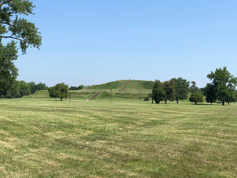 Cahokia - Monks Mound and Grand Plaza.jpg