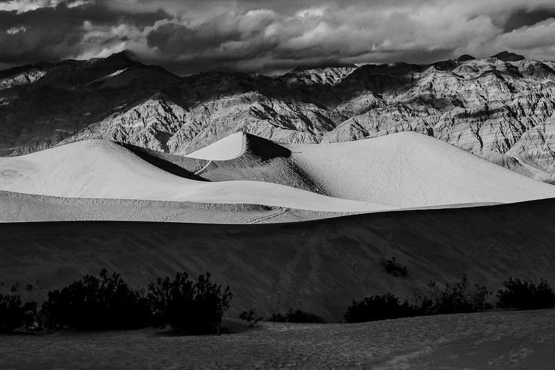 MESQUITE SAND DUNES, DEATH VALLEY NP