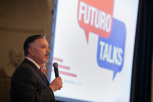 Futuro Talk Selects