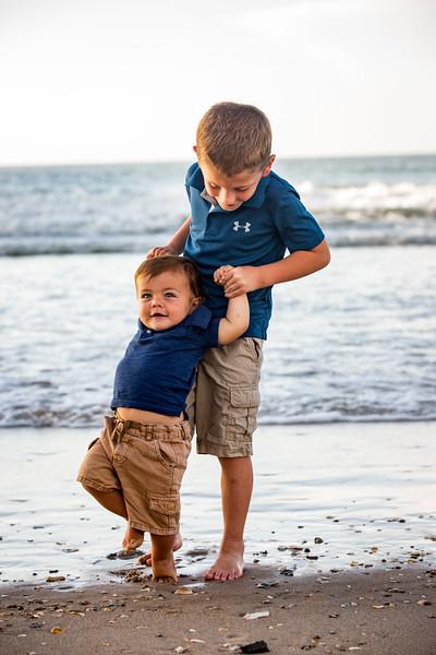 Family beach photos-150.jpg