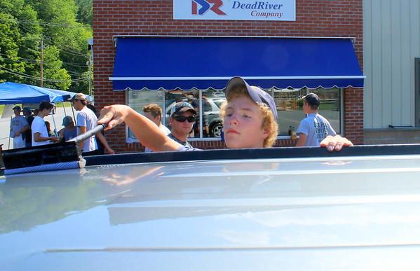 WUHS Football Fundraiser, Car Wash