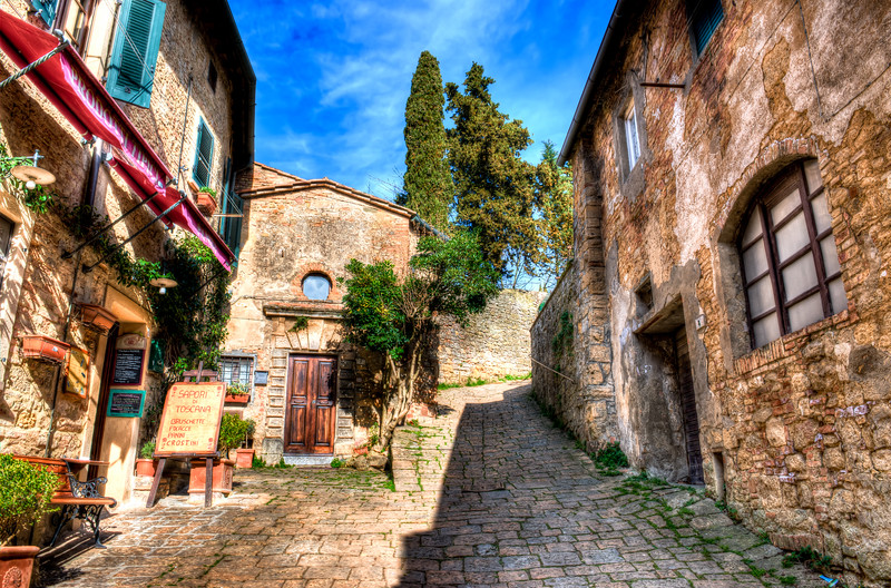 Italy17-5554And8moreHDR-Edit.jpg