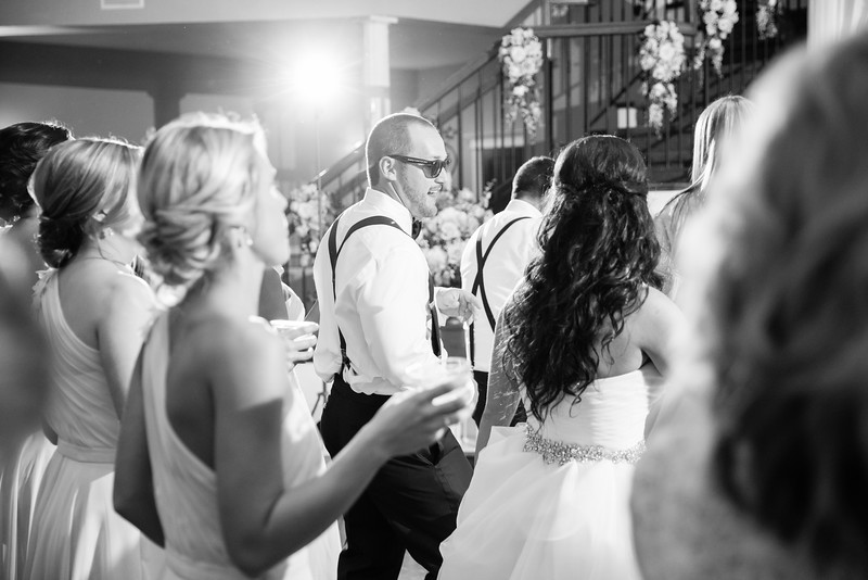 1032_Josh+Lindsey_WeddingBW.jpg