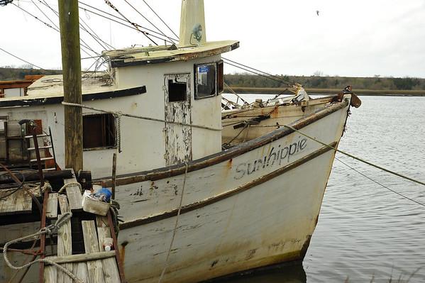 Salvage of Shrimp Boat Sunhippie 01-11-14