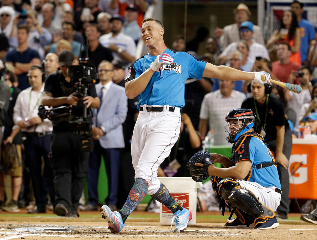 . New York Yankees\' Aaron Judge smiles as he competes during the MLB baseball All-Star Home Run Derby, Monday, July 10, 2017, in Miami. (AP Photo/Lynne Sladky)
