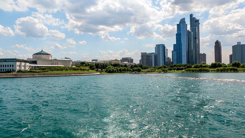 Chicago-FerrytoNavyPier02.jpg
