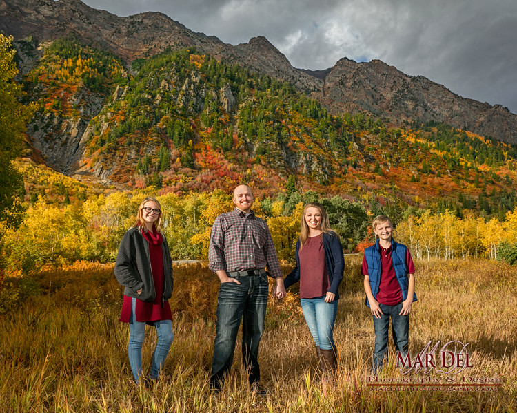 family pictures with mountains.jpg