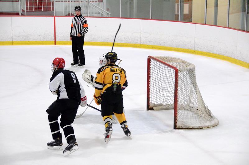 140913 Jr. Bruins vs. 495 Stars-008.JPG