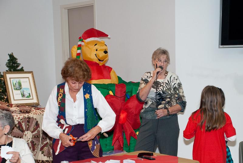 120609_Christmas-Party_0025.jpg