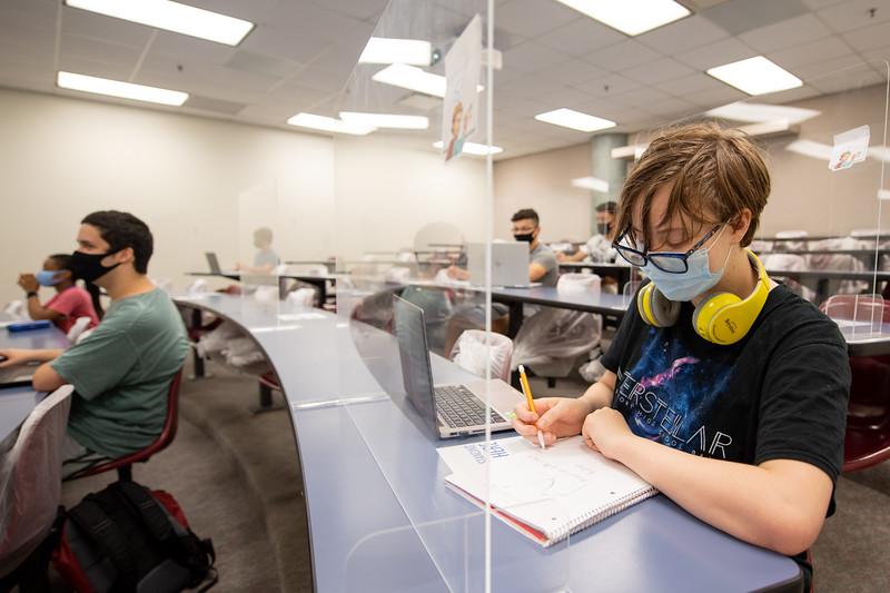 20201022-ClassroomPhotos-7727.jpg