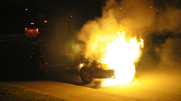 HFD LIBERTY AVE CAR FIRE VIDEO
