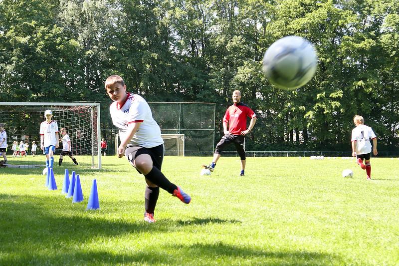 hsv_fussballschule-323_48047995193_o.jpg