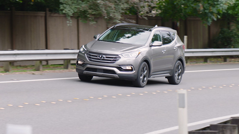 2017 Hyundai Santa Fe Sport 2.0T Ultimate AWD Driving Reel