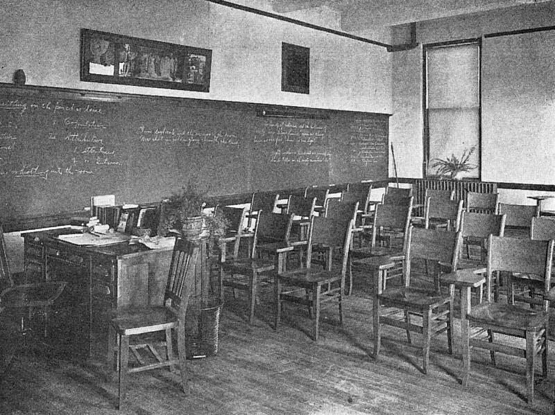 1910 UWL Recital Room.jpg