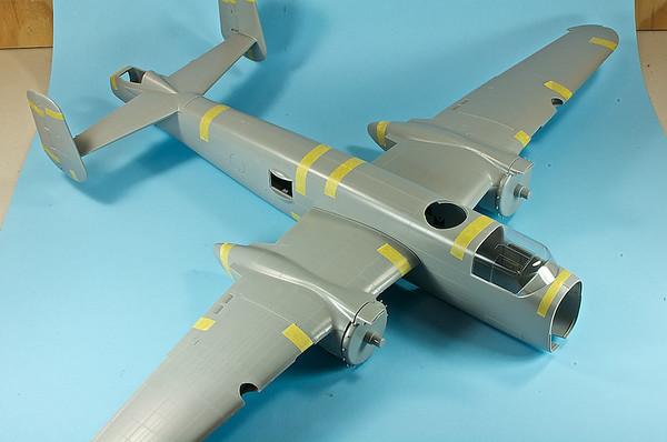"1/32 HK B-25J Mitchell ""Bottoms Up"""