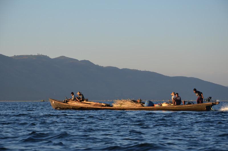 DSC_4515-cargo-boat.JPG